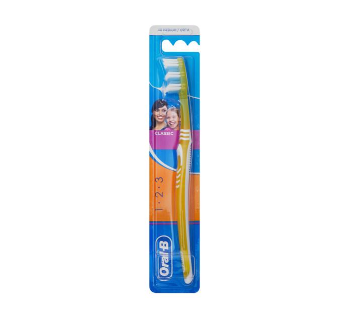ORAL B 3 Effect Toothbrush Classic 40 Medium (1 x 1's)